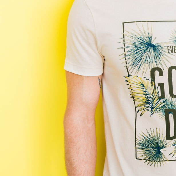 """T-shirt col rond imprimé """"Everyday is a good day"""""""