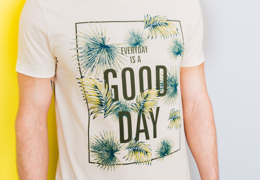 "T-shirt col rond imprimé ""Everyday is a good day"""