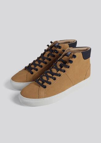 Camelkleurige high-top sneakers