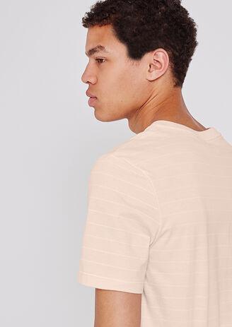 Tee shirt à rayures fines