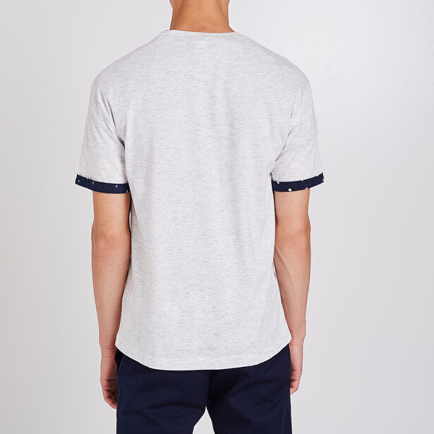 Tee shirt col rond à poche à motifs