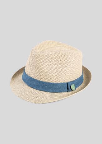 Chapeau de paille avec pins