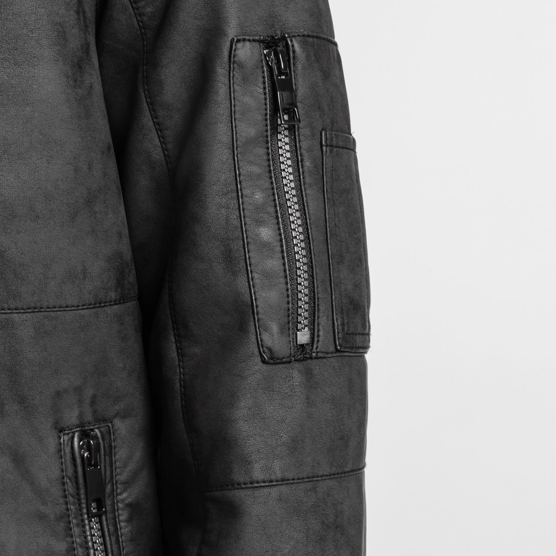 Veste en faux cuir