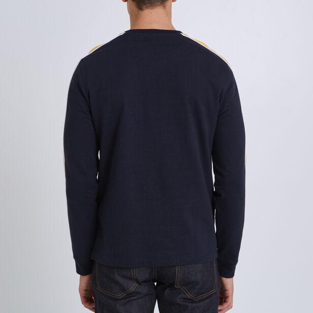 Tee shirt collo rotondo a maniche lunghe con tasca