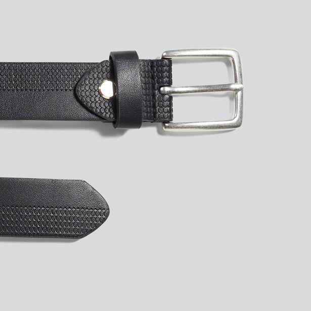 Zwarte riem met semi-reliëfopdruk