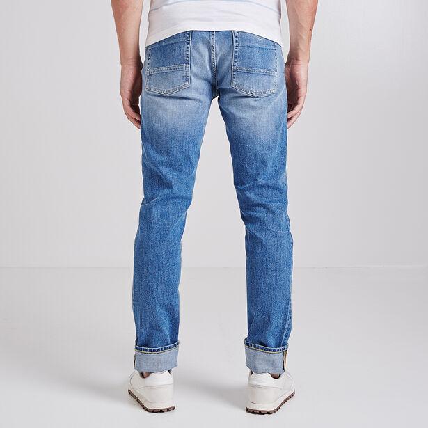 Straight jeans, light wash