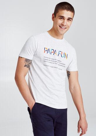 T-shirt met opdruk vooraan 'PAPA FUN' en definitie