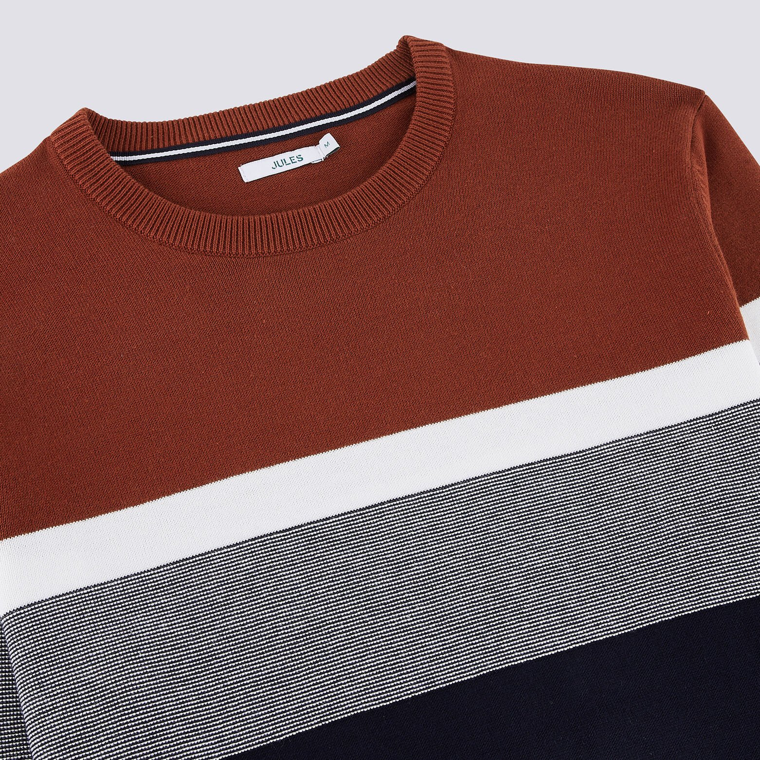Pull color block tricolore jeu de points