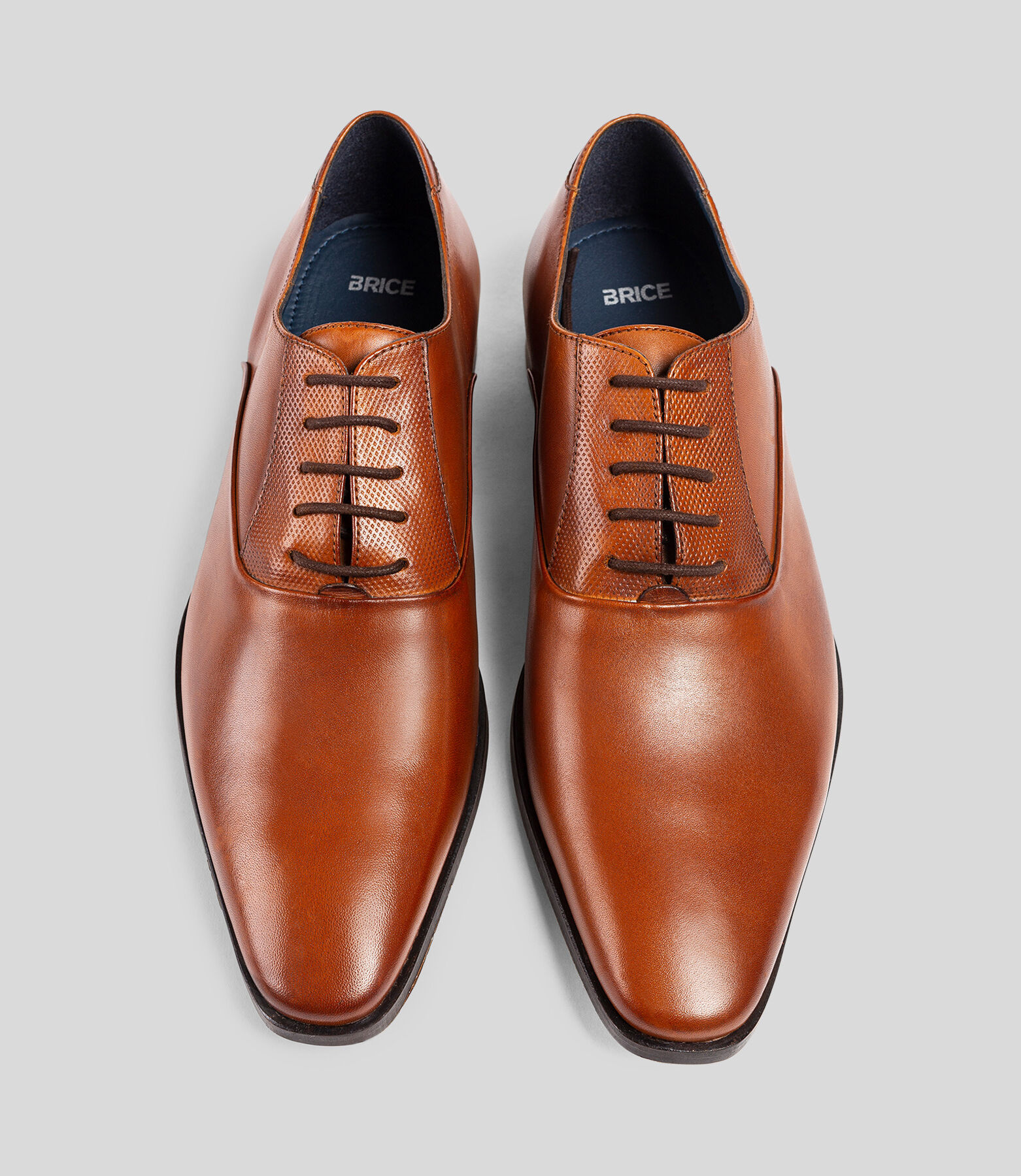 Chaussures en cuir lisse