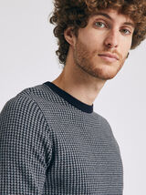 Pull col rond motif graphique