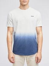 Tee-shirt tye and dyed