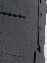 Gilet de costume en matière reliefée