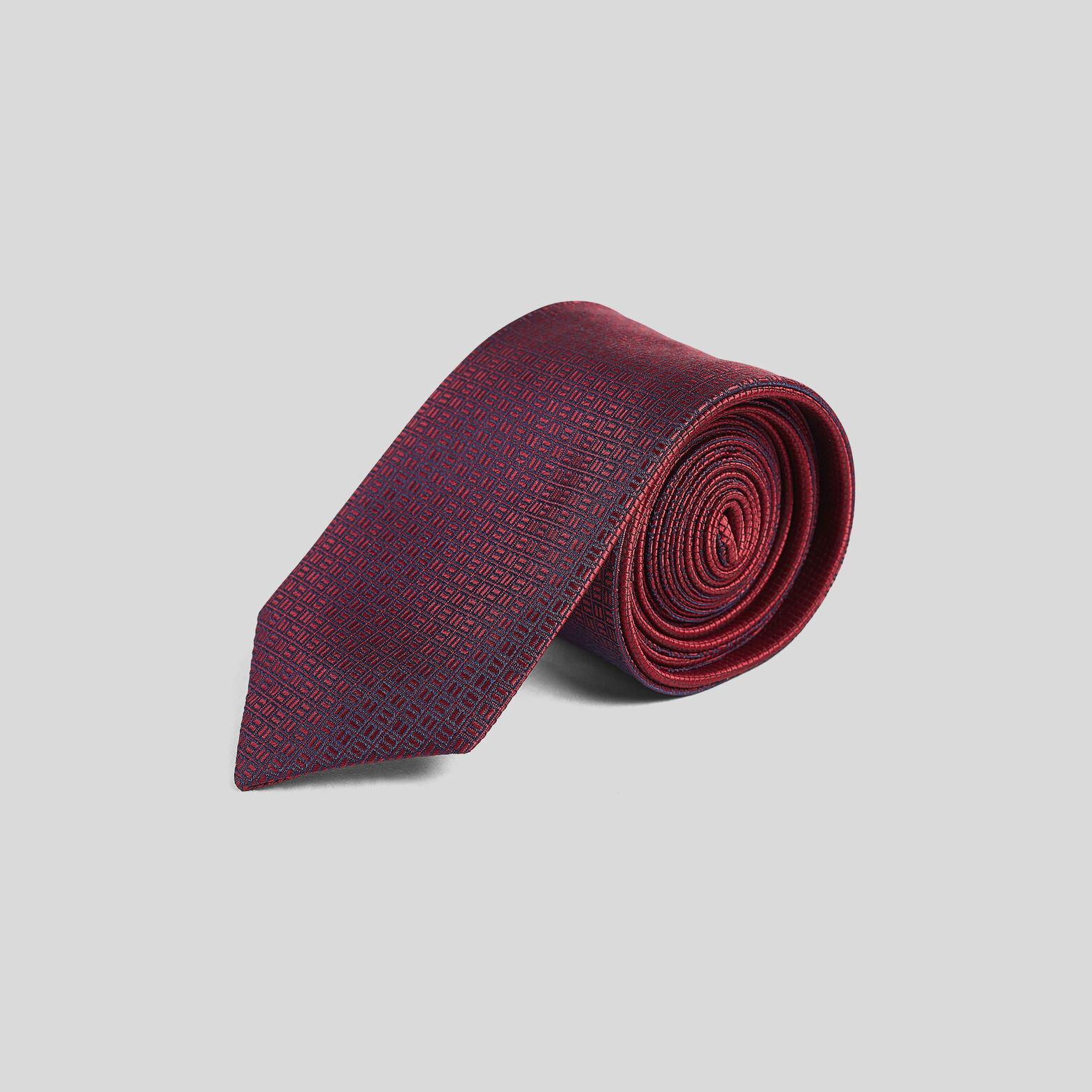 Cravate biface