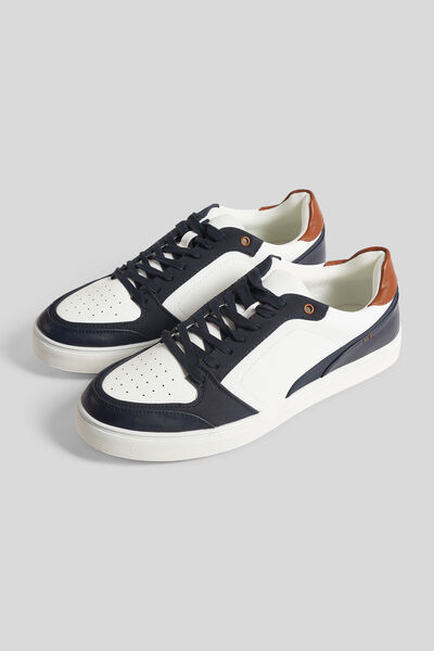 Baskets esprit retro