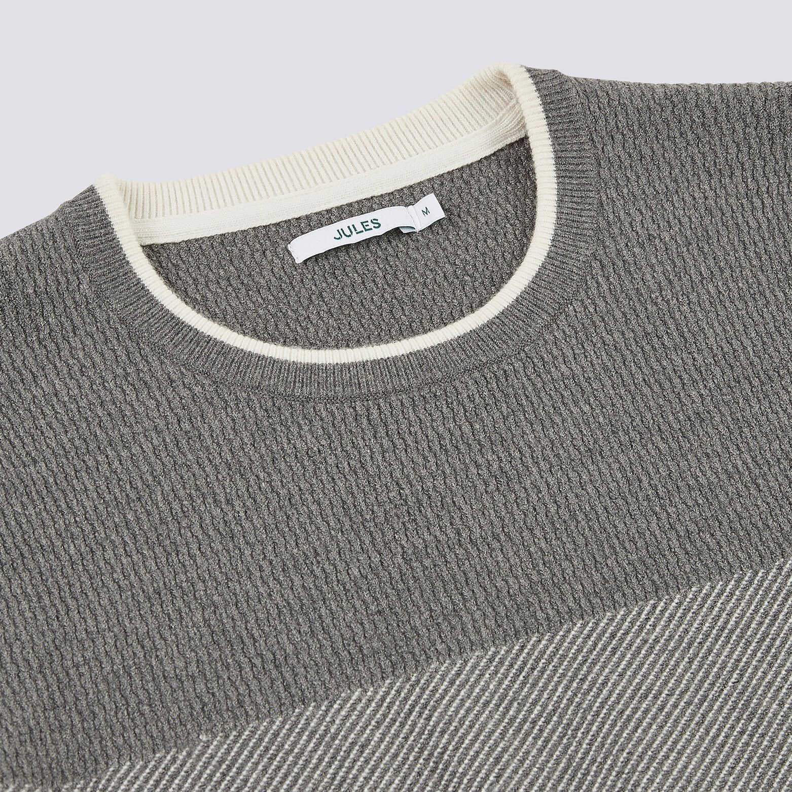 Pull col rond bandes poitrine
