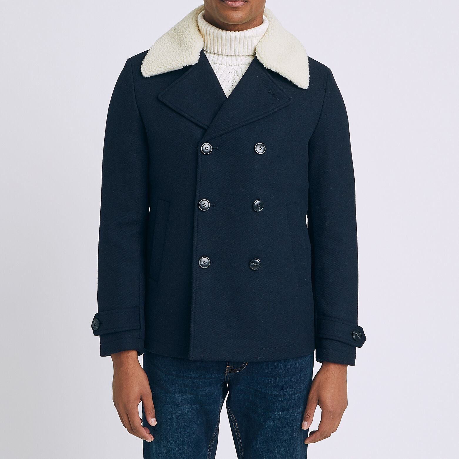 Manteau court col faux mouton