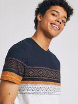 Tee shirt motif ethnique