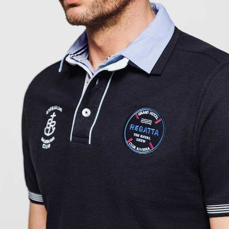 Le polo sport avec badge